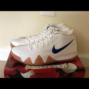 Nike Kyrie 4 Uncle Drew Mens